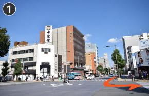 行田市・東京都方面から国道17号を進み熊谷市役所入口を左折